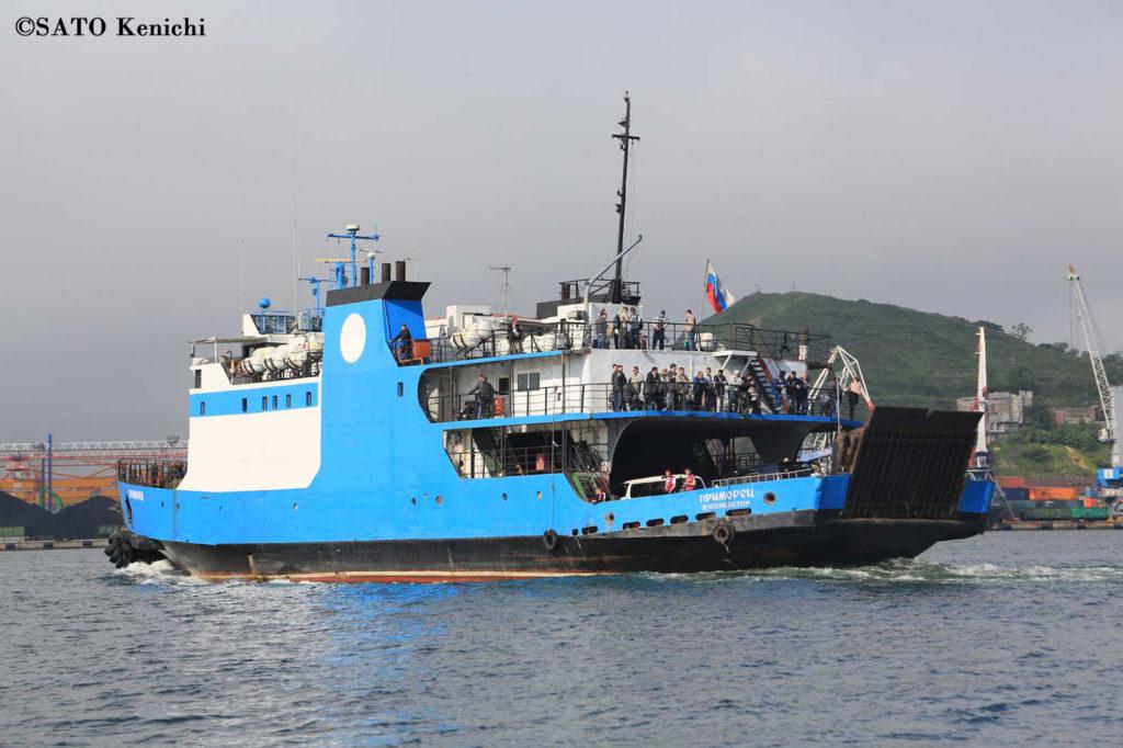 038   ウラジオストク港から出航するスラビヤンカ行きフェリー