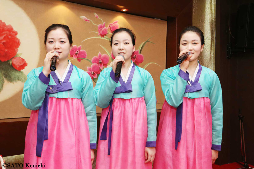 040  延吉、柳京飯店の北朝鮮ガールズ